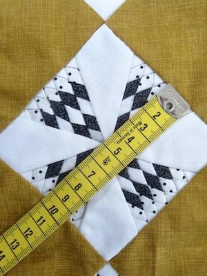 quiltblokje van 10 cm met 81 stukjes