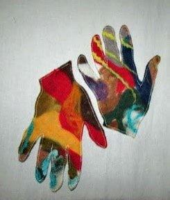 Vervilte handen van Mia de Vos