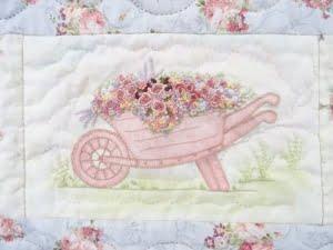Quilt gezien in Birmingham met detail van a walk in my garden quilt