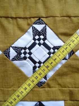 quiltblok met kleine vierkantjes van 0,5 cm