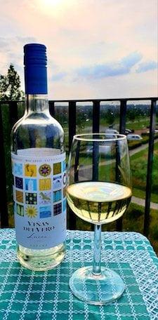 wijnfles met mooi etiket