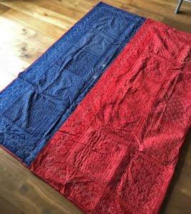 een blauw-rode sashiko quilt